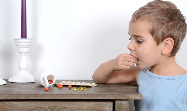 علائم مسمومیت دارویی در کودکان