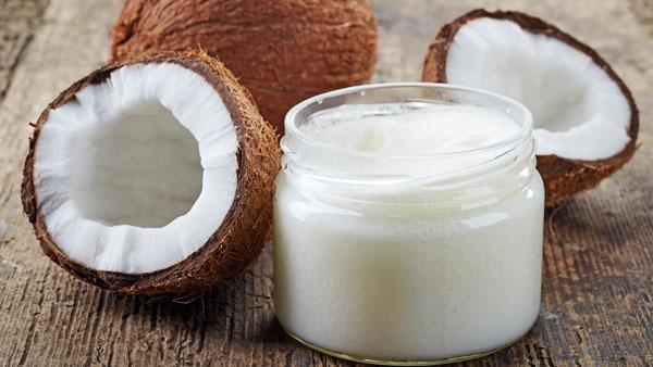 درمان خشکی پوست با روغن نارگیل