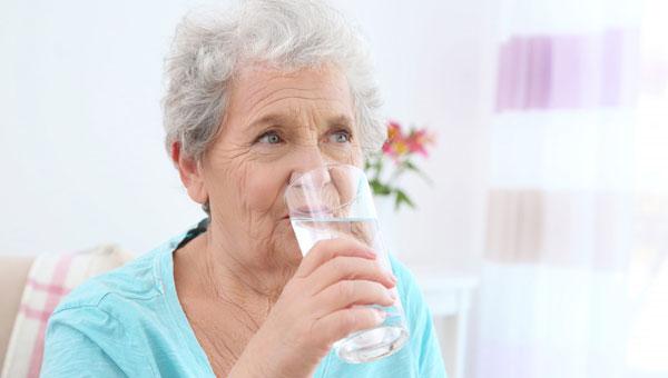 کم آبی بدن علت سرگیجه